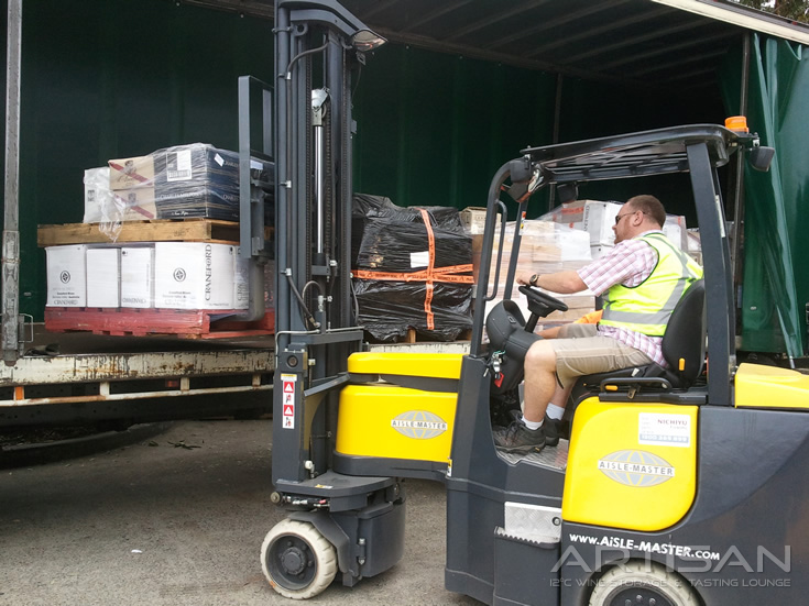 Unloading-stock-with-forklift